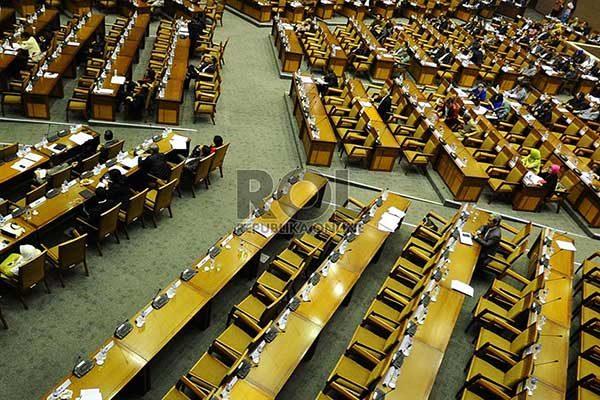 dpr-mengesahkan-undang-undang-perdagangan-setelah-68-tahun-pemerintah-indonesia-_140211134814-296