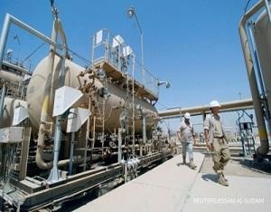 Italian engineers work in Zubair oilfield in Basra, Iraq August 9, 2017. REUTERS/Essam Al-Sudani