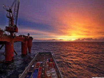 newsimage-1-web_offshoreoiil_shutterstock_136078472